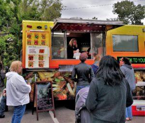 リノの夏の花金はグルメ屋台で!Food Truck Friday -Reno Street Food