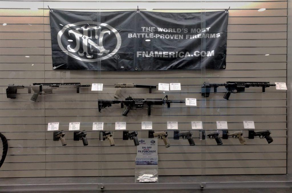 ライフル&拳銃
